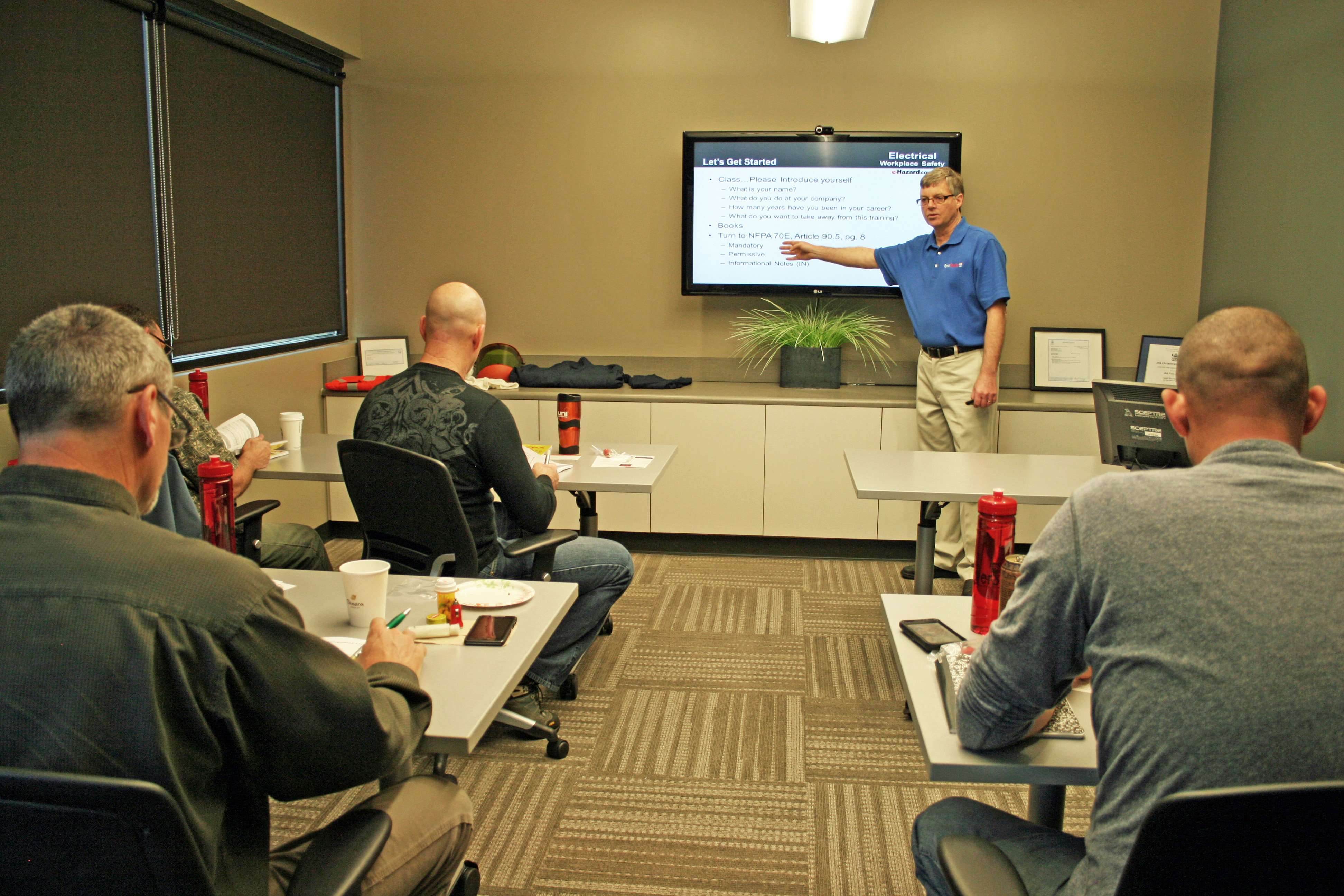 High Voltage Safety Training : Low voltage and high electrical safety training